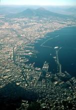 Современный вид Везувия и Неаполя